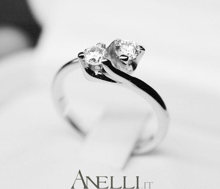 """Anello """"Giulietta e Romeo"""" detto anche Anello Contrariè o Anello Bilogy.. #contrarie #bilogy #giuliettaeromeo http://www.anelli.it/it/anelli-per-regali-ricorrenze/anelli-giulietta-e-romeo/anello-giulietta-e-romeo-da-mezzo-carato-f-vs1.html"""