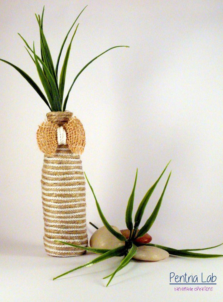 Vaso mono-fiore in vetro e corde di canapa naturale e nylon bianco riciclo creativo : Accessori casa di pentria-lab