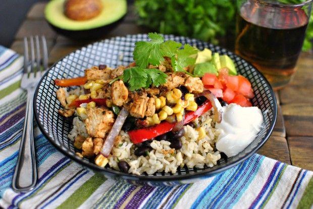 Chipotle Chicken Fajita Rice Bowl--ooh this looks tasty!