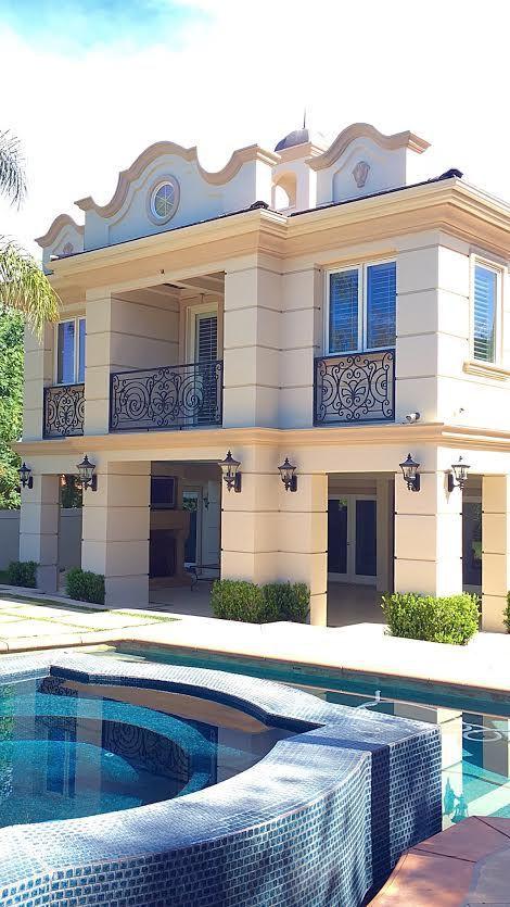 Veronica Bradley Interiors - L.A. Clients' Outdoor Patio