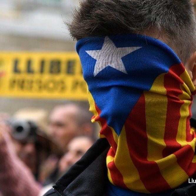 #ÚLTIMAHORA El Tribunal Constitucional español anula la declaración de independencia de #Cataluña #foto #AFP