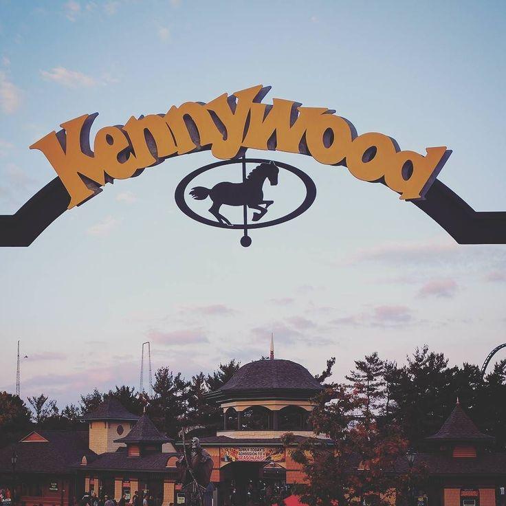 Visiting @kennywoodpark for Phantom Fright Night. #kennywood #phantomfrightnights #pittsburgh #halloween #halloween #phantomfrightnight #haunted #hauntedhouse