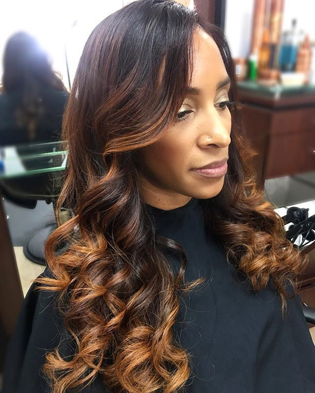 Mahogany with Copper Dimension ❤ _____________________________________________________ Go to www.styleseat.com/RachelRedd for scheduling.  #dimensionalhaircolor #dimension #copper #red #mahogany #highlights #hairpainting #pravana #wella #mizani #olaplex #naturalhair #texturedhair #atlanta #colorist #rachelredd