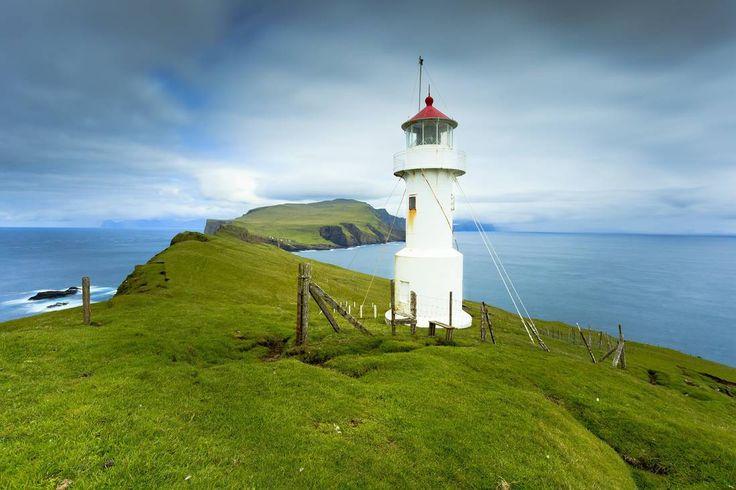 Le phare de Mykineshólmur éclaire même les nuits les plus sombres.