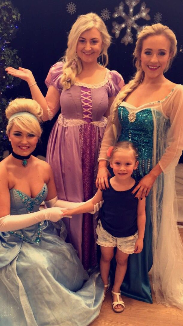 Lacie meeting all her favourite Princesses