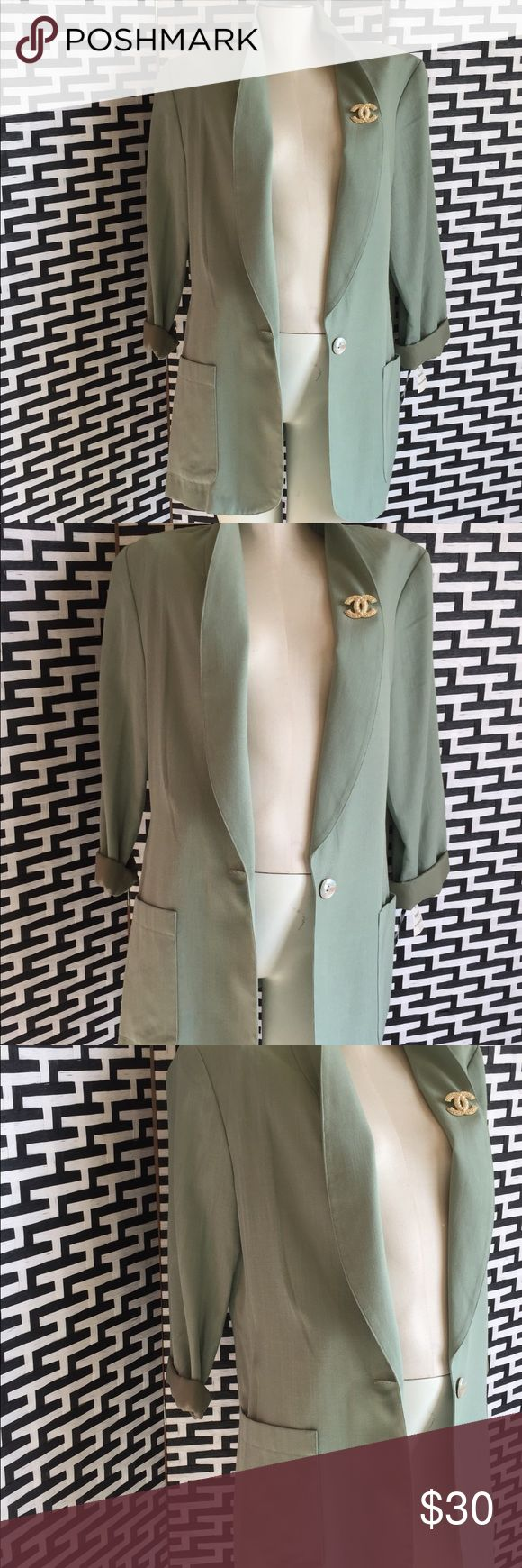 💚Pretty Green Blazer💚 Light green Pearl button NWT Vintage style fashion This does not come with Chanel pendant Jackets & Coats Blazers