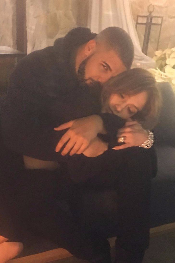 """Drake Reveals He Sends """"Drunk Texts"""" to Jennifer Lopez in His New Song"""