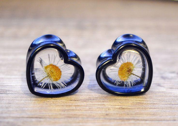 "7/8"" plugs 22mm plugs daisy ear plugs gauge earrings heart plugs real flower plugs floral gauge bridal plugs flower gauges girly tunnels by JEWELRYandPLEASURE on Etsy"