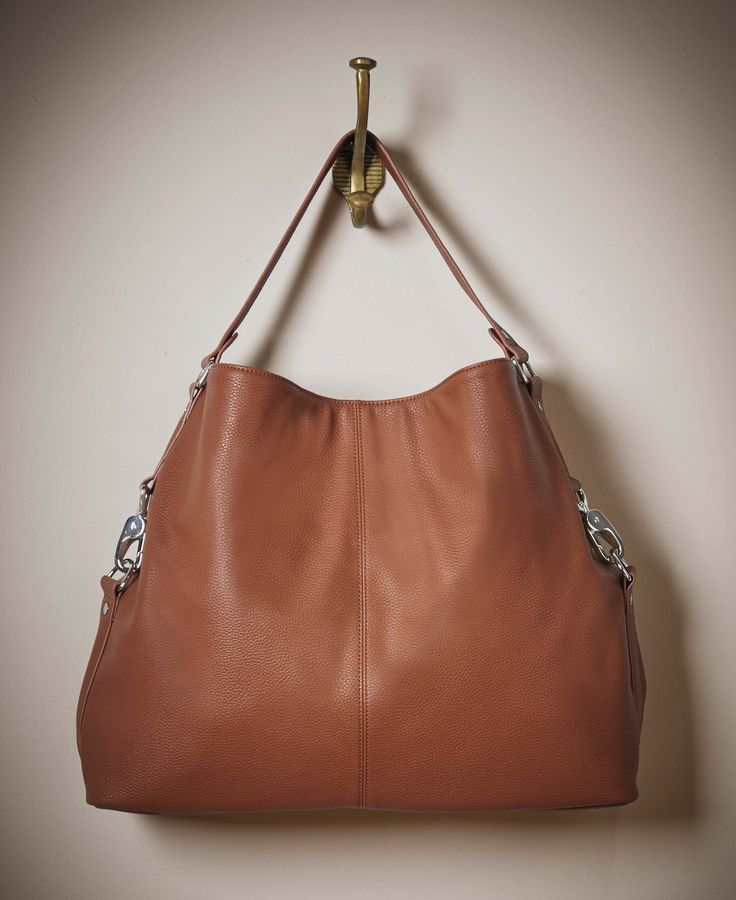 New or Fall 2015 Thirty-One Gifts...Fashion Games is the NEW Hobo style purse!