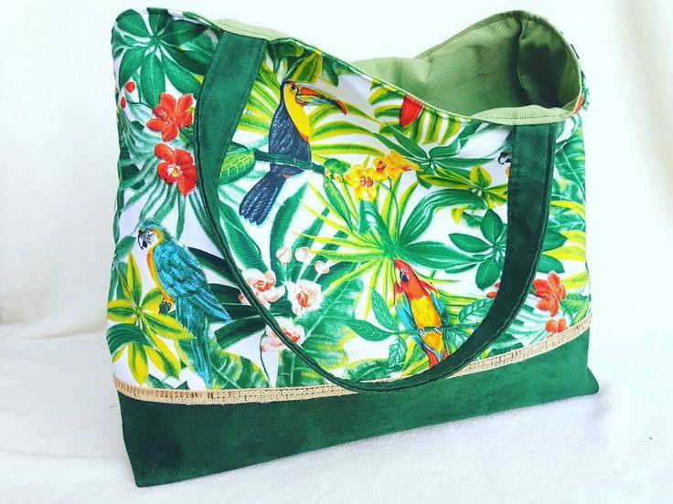 Maxi sac cabas TOUKAN fait main bi-matiere en suédine et en toile motifs tropical, forêt, oiseaux. Couleur tendance greenery. Sac d'été. de la boutique LNHKcreations sur Etsy