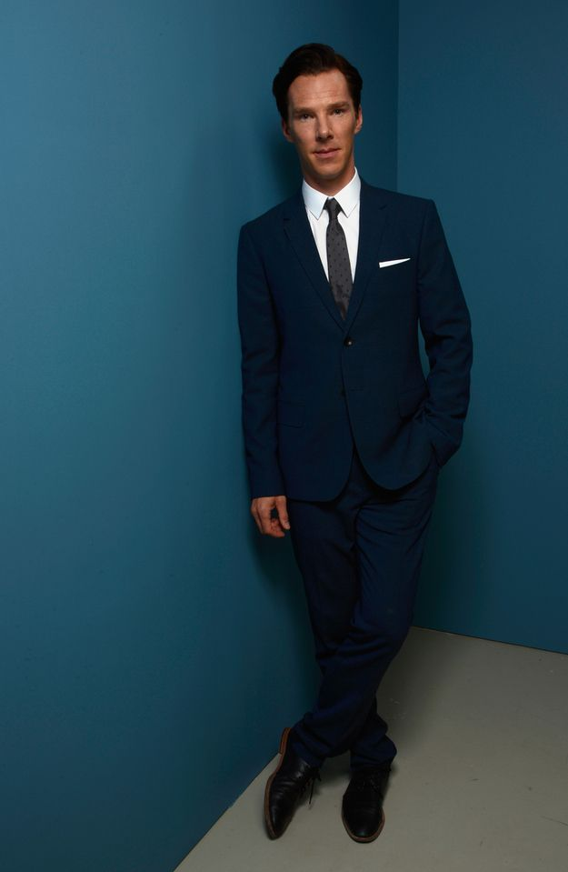 When he casually crossed one foot over the other and made standing in an empty corridor look ridiculously cool.   18 Times Benedict Cumberbatch Looked Like An Absolute GOD In A Suit