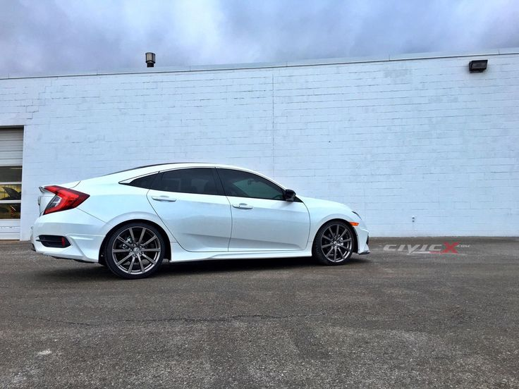 "19"" HFP wheels (Honda Factory Performance) with body kit on 2016 Civic.  modified-2016-civic-sp7128a.jpg"