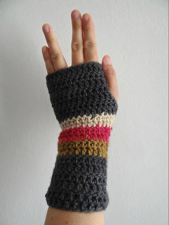 Fingerless mitts, mittens, gloves / wrist warmers, crocheted handwarmers / crochet, ganchillo, calentadores manos, guantes sin dedos, manguitos tejidos, manoplas