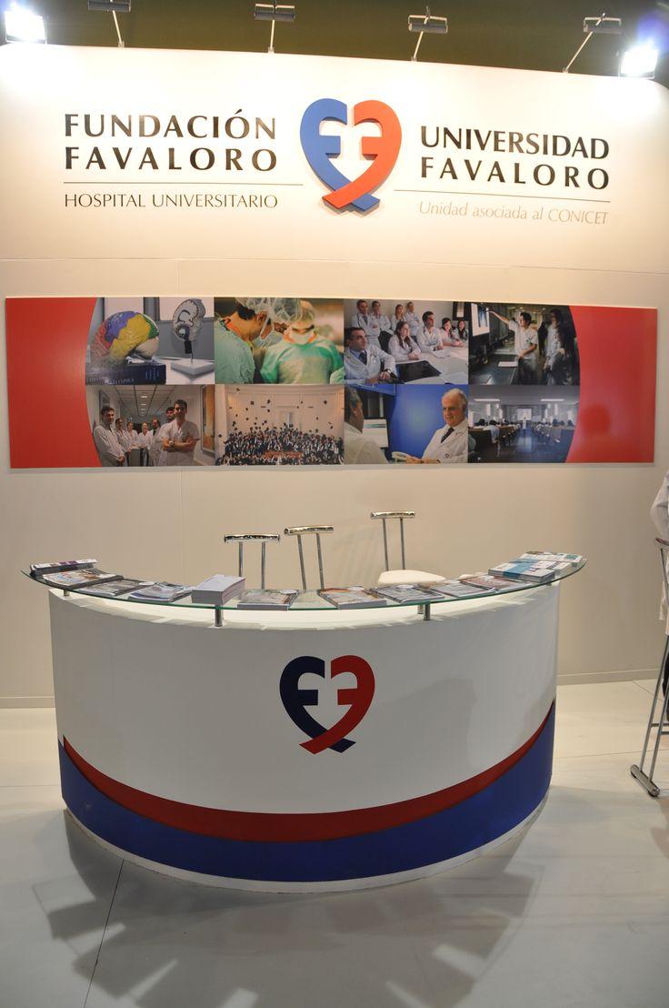 Stand Fundación Favaloro y Universidad Favaloro en Feria Internacional del Libro 2014 - Buenos Aires - Argentina - Diseño y Construcción MW Arquitectura