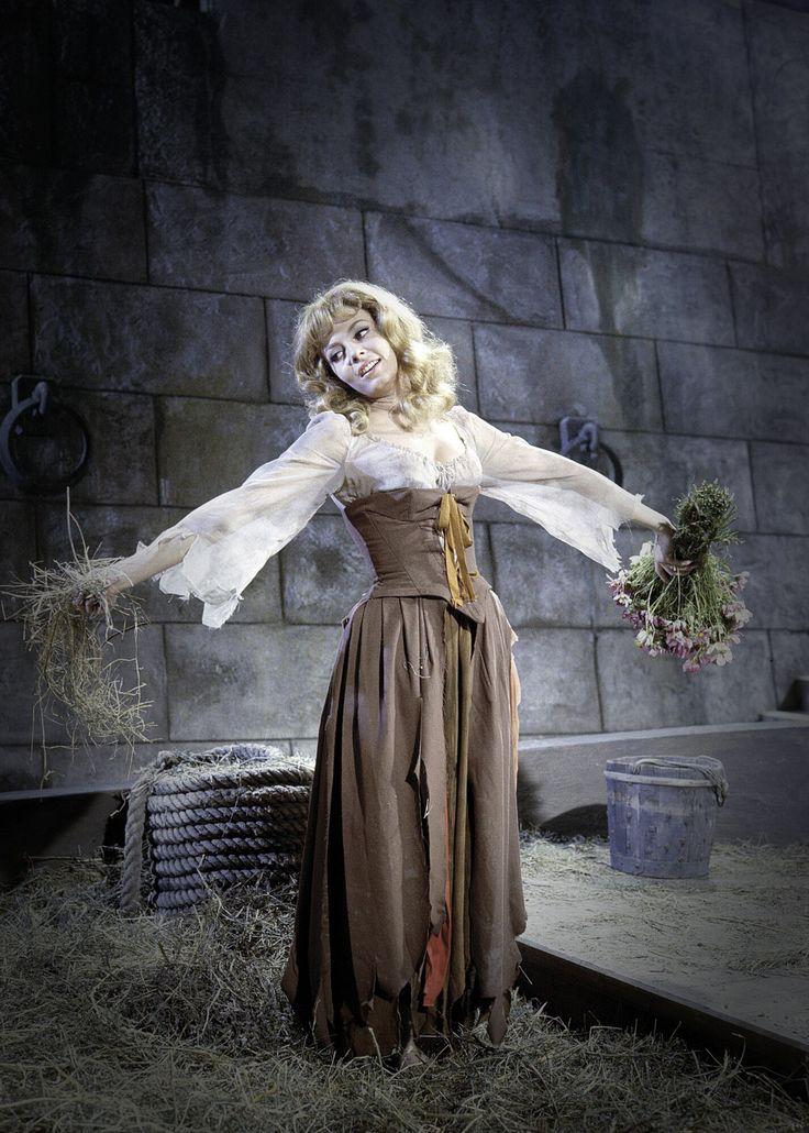 Michèle Mercier in Angélique