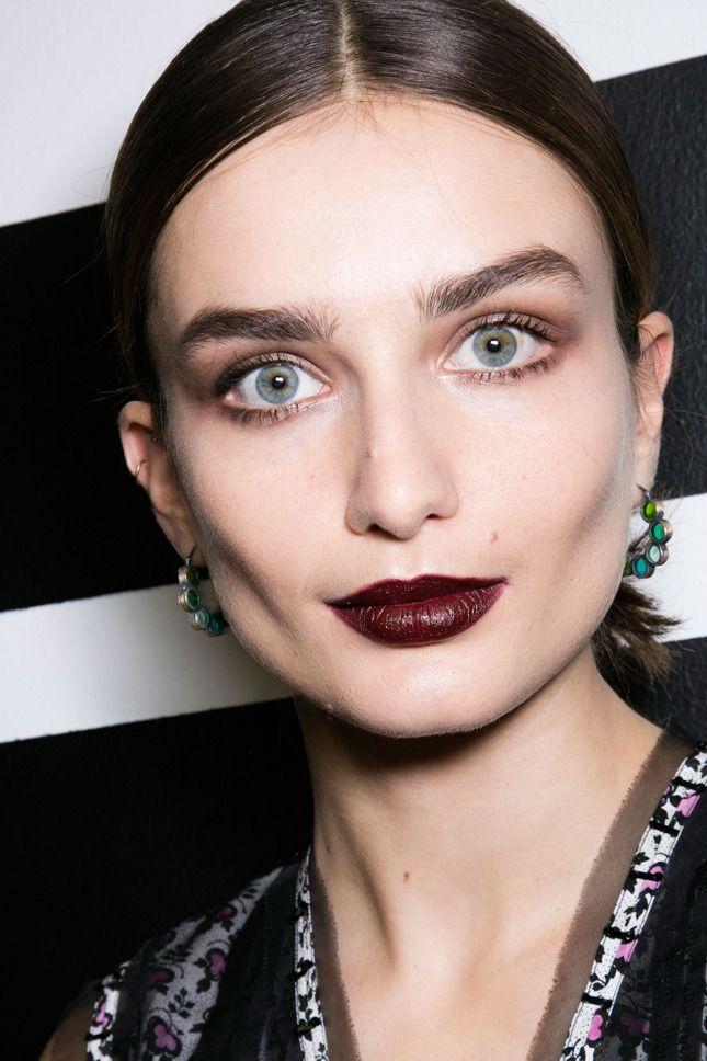 Главная бьюти-тенденция осени 2016 — экстремально темные губы | Красота | Тенденции | VOGUE