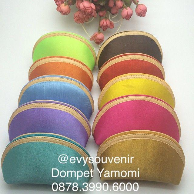 Warna Warni Dompet Yamomi  langsung hubungi zivie ya say di WA 0881.261.6288/ 0878.3990.6000 atau LINE evysouvenir terima kasih ^^,