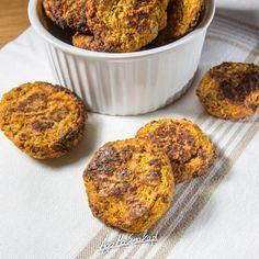 ciasteczka-bez-cukru-i-maki-z-ciecierzyca-marchewka-morela-3