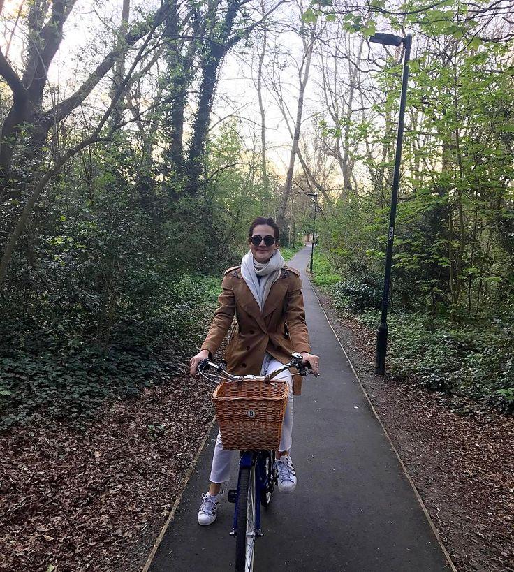 Aproveitando a primavera de bike por Londres, muito amor! Vic Ceridono | Dia de Beauté