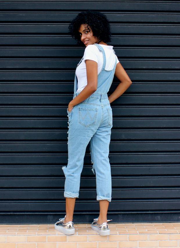 Vesti e Gostei: Jardineira jeans + Tênis metalizado - De volta ao retrô