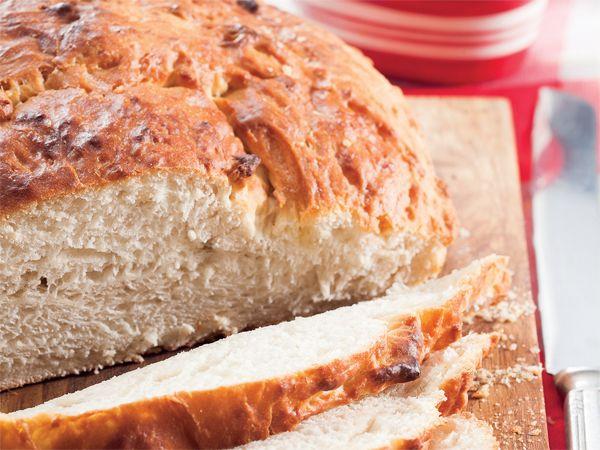 Uit die Huisgenoot kombuis: Brood met kaaskappie