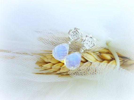 Moonstone earrings opalite earrings bridal by MalinaCapricciosa