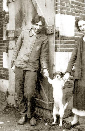 Soutine avec Paulette Jourdain, la secrétaire de son marchand, Zborowski. Années 20.