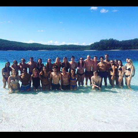 Fraser Island var helt fantastisk, med flot natur og gode mennesker 🤙🇦🇺🏝 #fraserisland #herveybay #camp #campfamily #jeep #danishboys #kilroy #palaceadventures #lakemckenzie #indianhead #maheno #mahenoshipwreck #wicked #greyhound #backpacker #australia #eastcoast #sun #travel #traveltheworld #worldtour
