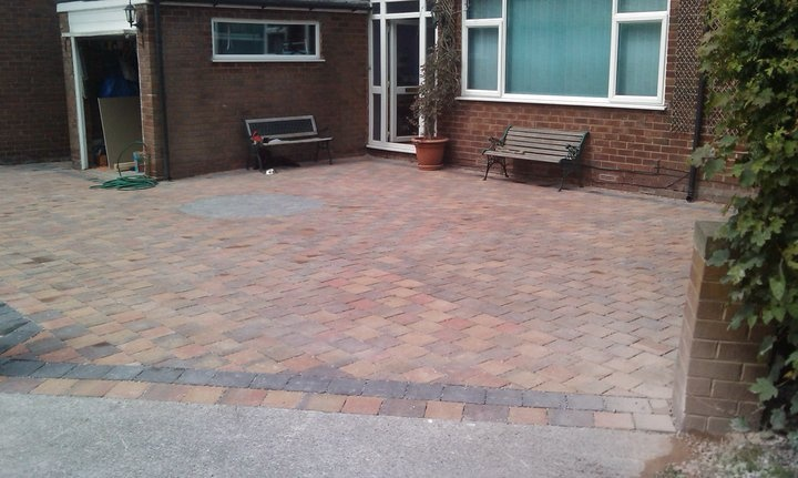 What difference will our paving make ?   less maintenance than other paving    and Not  to your bank balance!     What difference will our paving make ?   it will to future flooding problems,   Lets nature work the way it intended, letting the rain water integrate into the ground where it falls    The most  premier paving system available