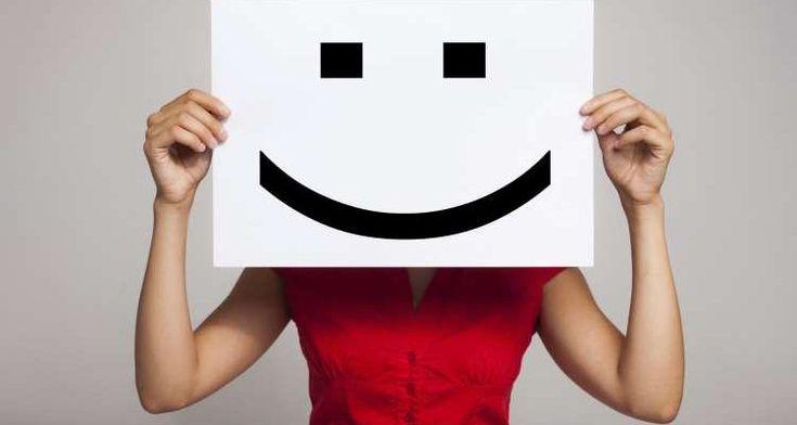 «Χαμογελαστή κατάθλιψη»: Τα πρώτα σημάδια και πώς εκδηλώνεται