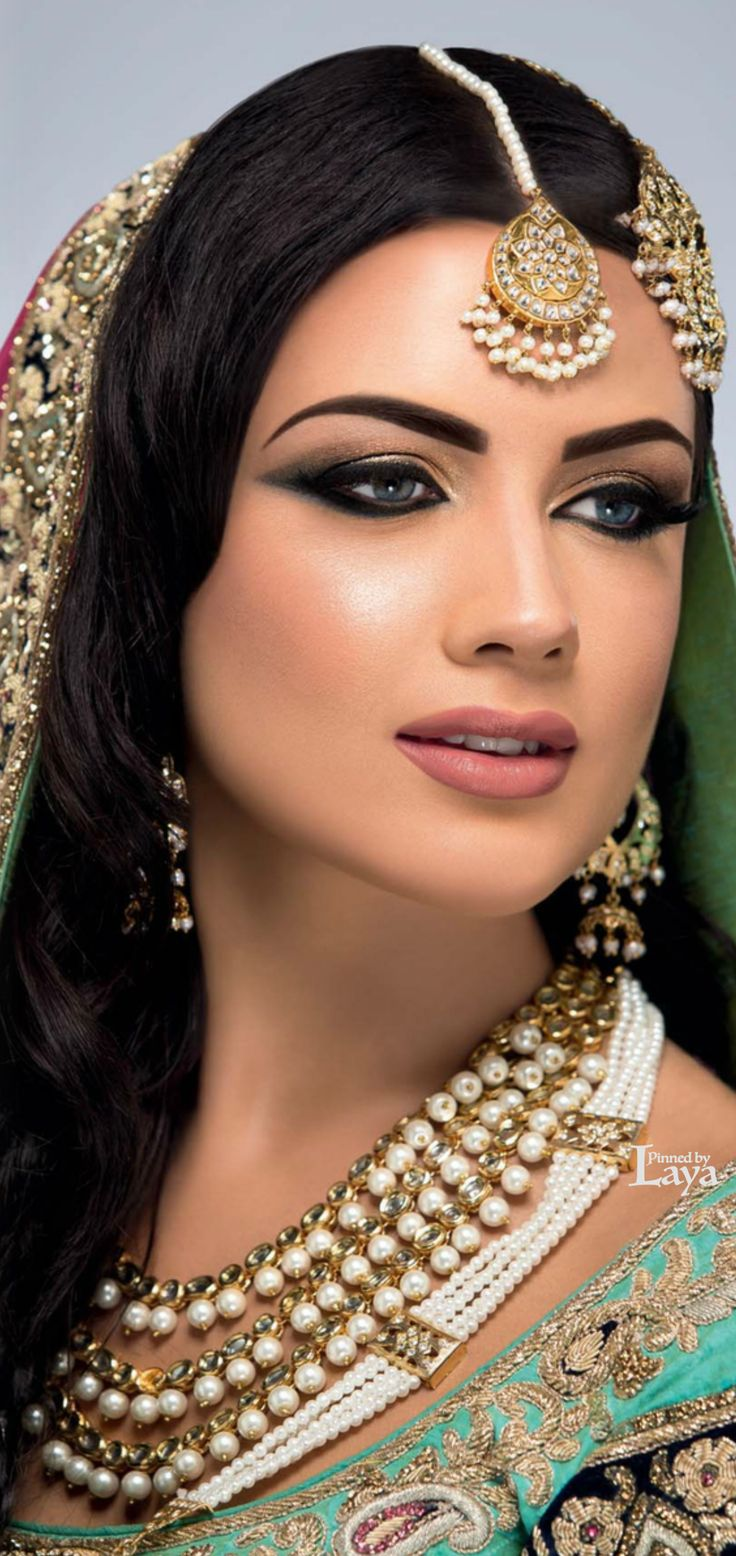 ♔INDIAN BRIDE♔ Beauty is a perceptual concept most appreciated by an aesthetician. By Luis Jacome.