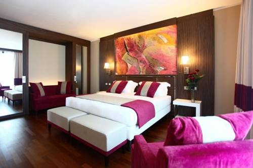 ... with a 550-m² spa and fitness centre, and a free scheduled shuttle to central Milan all week... **** Ramada Plaza Milano, Milan, Italy