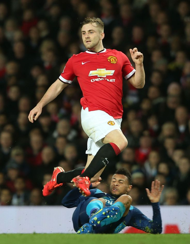 Shaw delighted to have van Gaal's faith - Official @manutd website