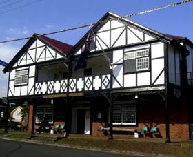 Jamberoo Pub - http://www.ozehols.com.au/2928 Jamberoo Pub and Saleyard Motel is the best little pub on the South Coast, featuring award winning bistro with both three and a half and four star motel accommodation or two star friendly country style pub accommodation in a rural setting.