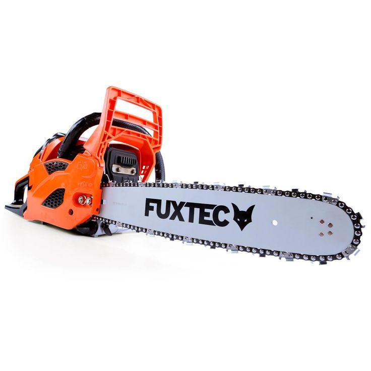 Motorová pila FUXTEC KS146 o obsahu 45,8cm³ (2,2 PS / 1,6 kW). Lišta 16″  (řezná délka 35 cm). Vhodný partner pro hobby využití. Ideální pro odvětvování a řezání krbového dřeva.