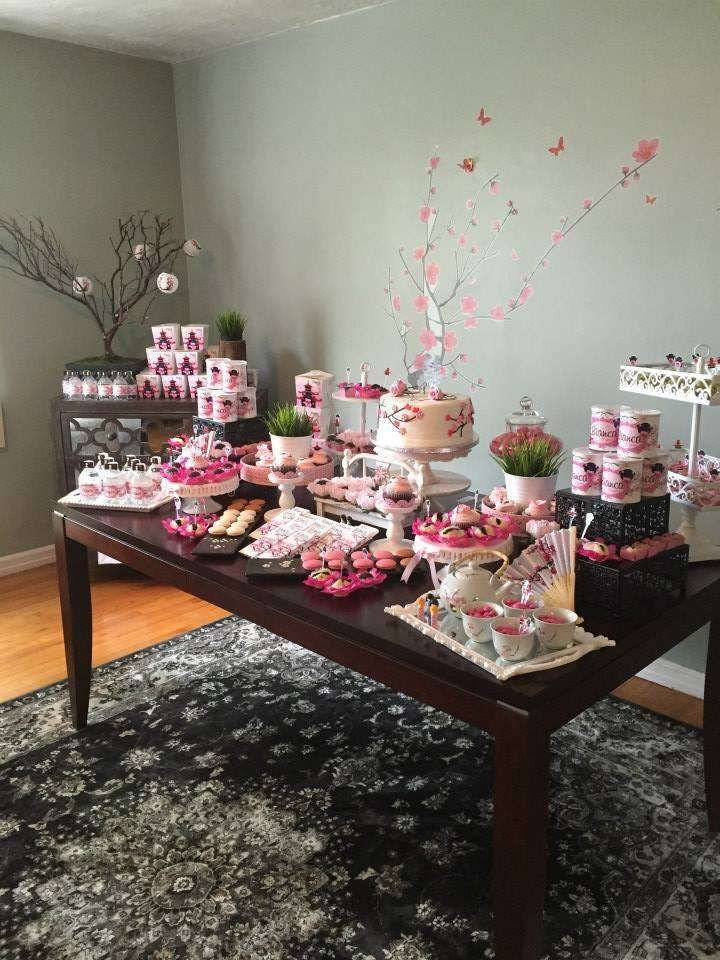 Japanese Cherry Blossom girl birthday party | CatchMyParty.com