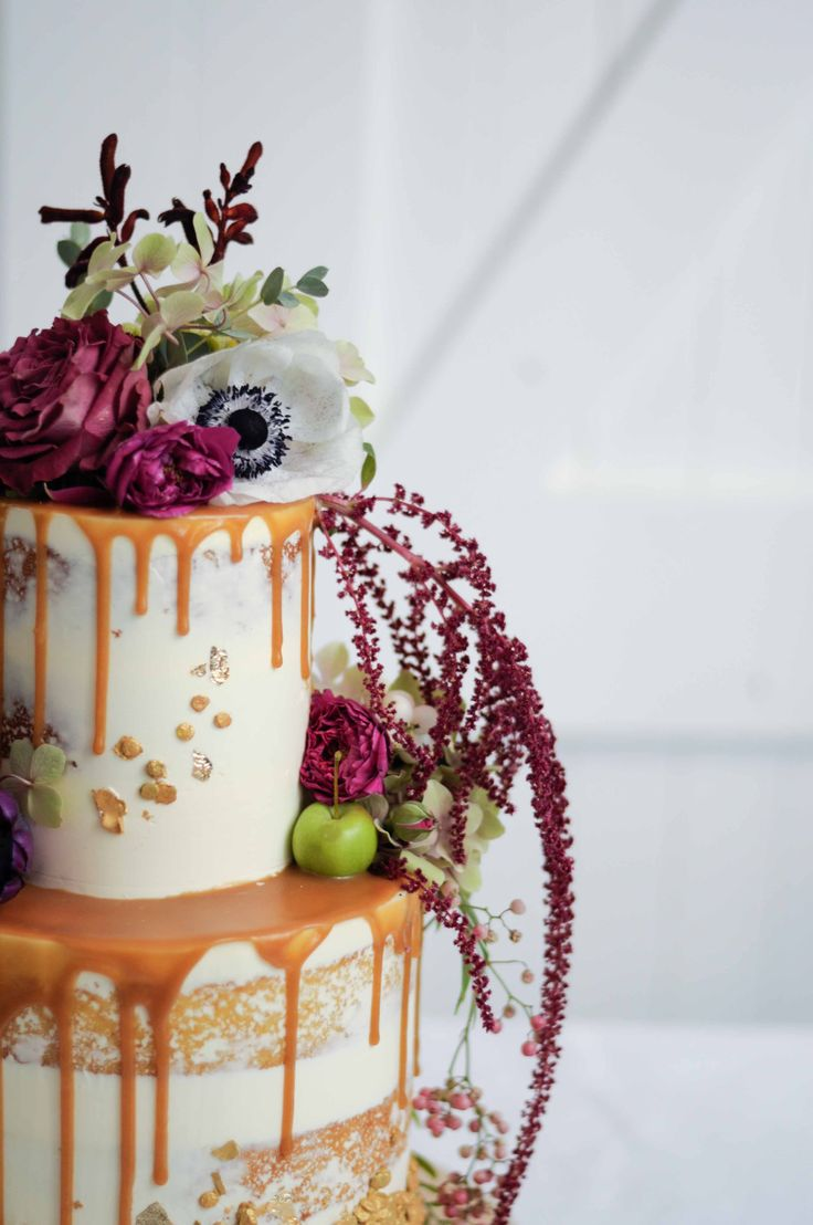 Wedding cake by LionHeart