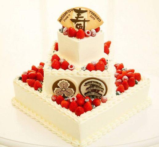 グランシア須賀川 結婚式場写真「「和」をテーマにしたご両家の家紋入りウェディングケーキ」 【みんなのウェディング】