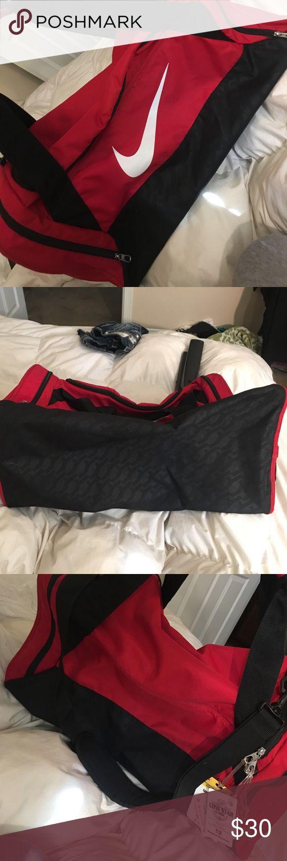 Nike sports bag Lightly used Nike bag Bags Travel Bags