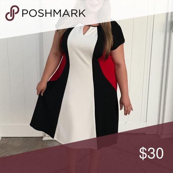 Plus Size Black White & Red Dress NWT Size 22 Dramatic Plus Size Black White and Red Dress. NWT Size 22 Dresses Midi
