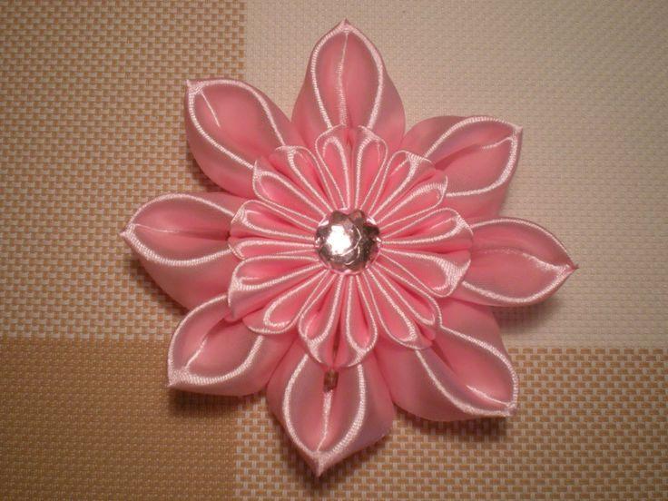 Цветы Канзаши из атласных лент своими руками