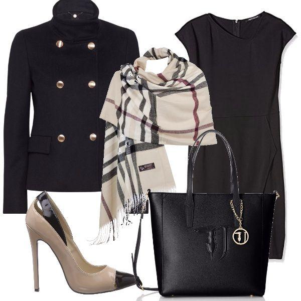 Outfit sobrio ed elegante: vestitino nero morbido, cappottino doppio petto nero con bottoni dorati, sciarpa beige con fantasia quadrettata da usare anche come stola sul vestito, décolleté alta in venice, borsa nera Trussardi.