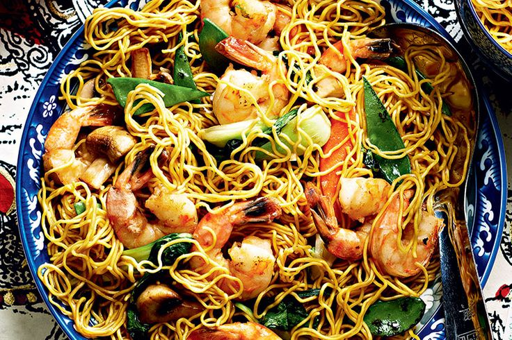 Shrimp Lo Mein—This popular noodle dish mixes shrimp with fresh veggies to make a quick dinner that's almost as easy as takeout. The terms for frozen shrimp sizes, such as jumbo or large, aren't standardized, so focus on the number of shrimp in each bag (here, 21 to 24 per 450 g bag) to ensure that they're the right size.