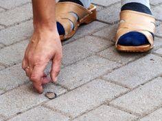 ¿Encontraste una moneda?, te digo como atraer suerte con ella.