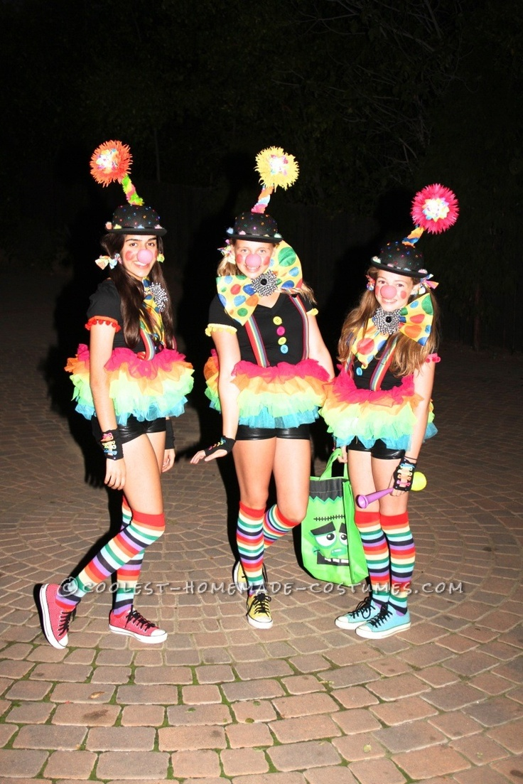 Cute and Original Girls Group Costume: Bringing The Clown Back... This website is the Pinterest of costumes