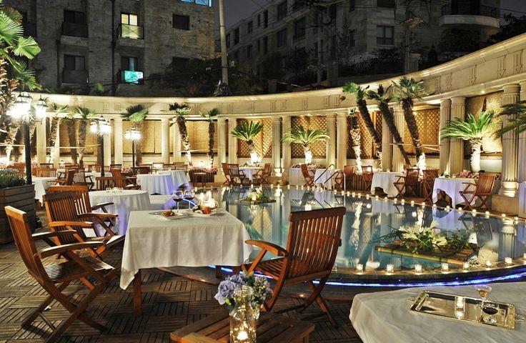 월간 호텔&레스토랑) 임피리얼 팰리스 서울 호텔은 오는 6월 5일부터 8월 31일까지 서머 바캉스를 즐길 수 있는 야외수영장을 개장 합니다! 아울러 야외수영장을 대관해 독립된 공간에서 풀 사이드 파티를 즐길 수 있는 프라이빗 풀 사이드 파티 프로모션을 선보였는데요, 가격은 풀 사이드 뷔페 6만 5000원, BBQ 뷔페 7만 7000원입니다^^
