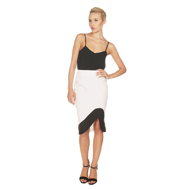 Lavish Alice White and Black Wave Pencil Skirt £32