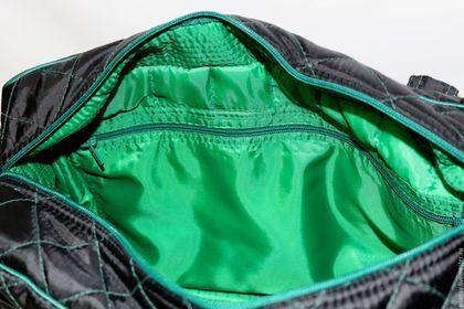 Купить или заказать Сумка 'Настроение' в интернет-магазине на Ярмарке Мастеров. Предлагаю к продаже вместительную и очень удобную сумку. Индивидуальный пошив сумоки для танцев и фитнеса или на пикник, пляж, бассейн и т. д. На молнии, ткань 'Дюспо', стегана на синтепоне. Внутри есть дополнительные кармашки, с одной стороны на молнии с другой под сотовый телефон. отделка зеленым кантом в тон молнии. Мешок для обуви в ПОДАРОК!!