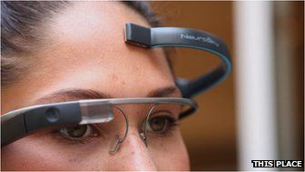 Google Glass has been hacked so that it can be controlled by brainwaves.