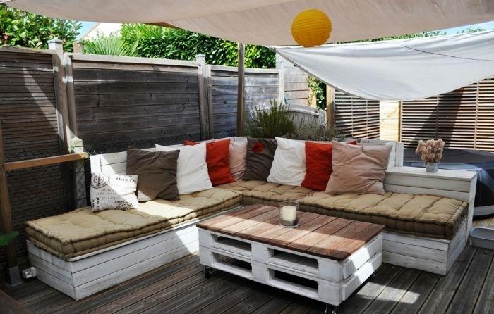 1001 Modeles Et Idees Pour Faire Une Banquette En Palette Diy Outdoor Furniture Outdoor Furniture Outdoor Furniture Design